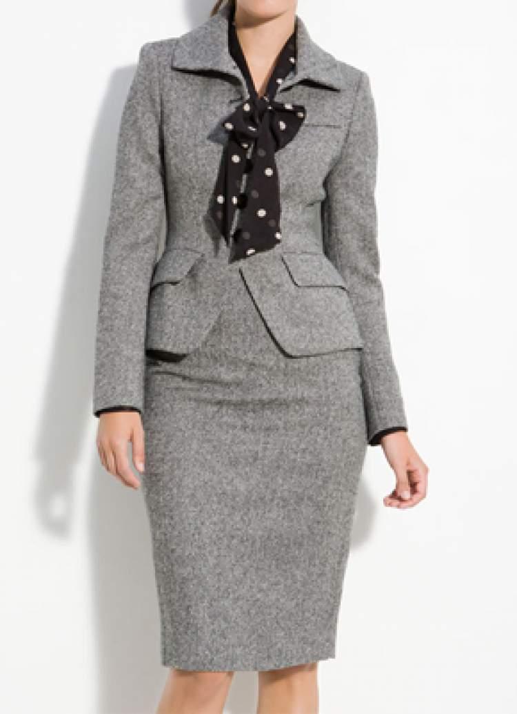 Conjunto de tweed é um dos itens da moda que envelhecem pelo menos dez anos
