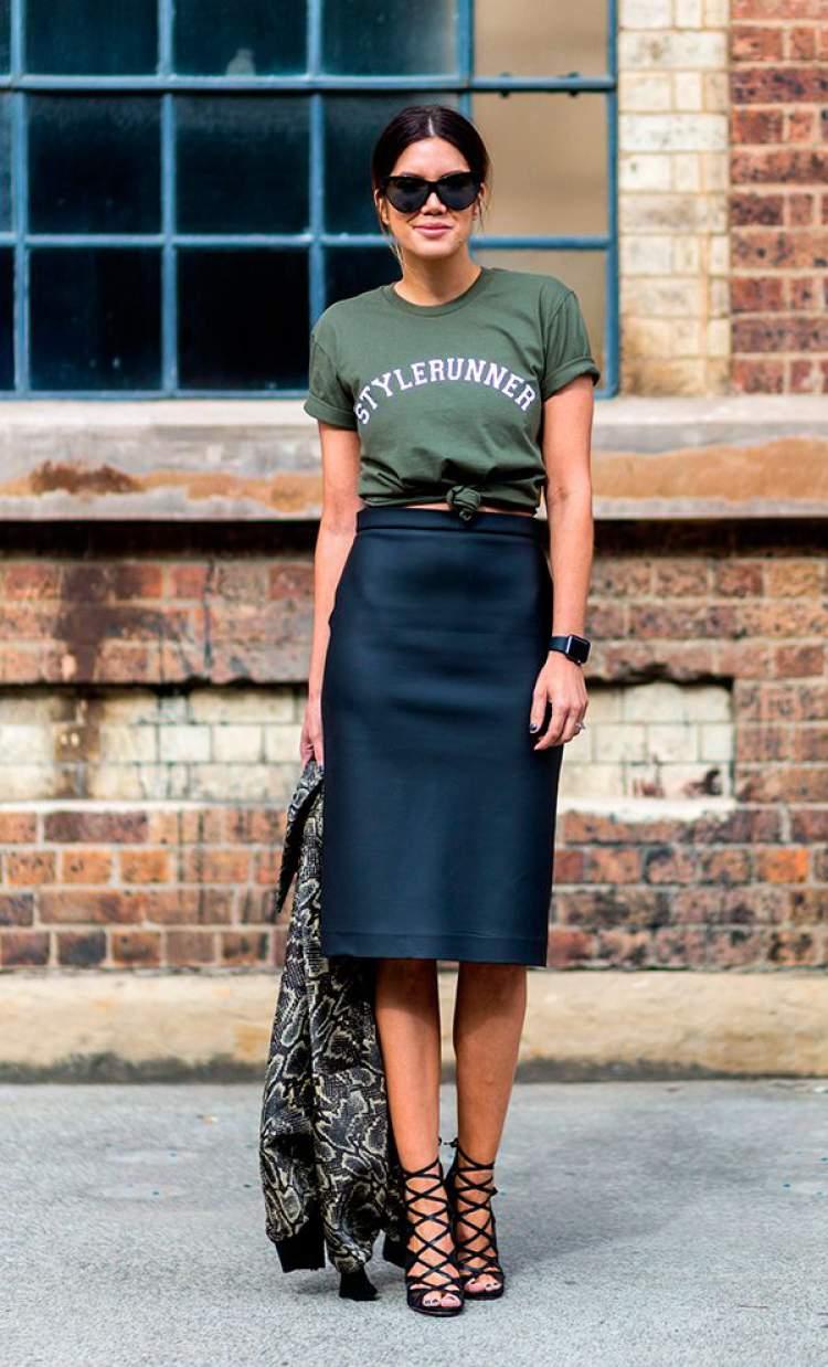 Saia mídi + t-shirt formam um look Hi-Lo