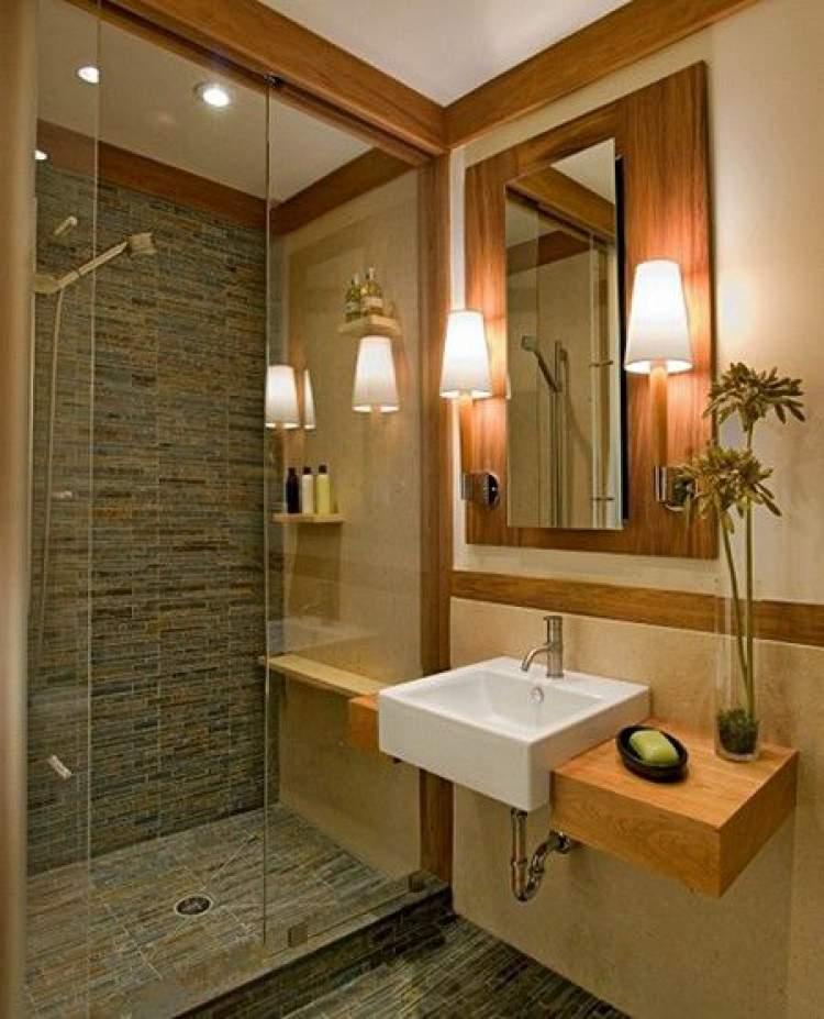 Banheiro com boa iluminação