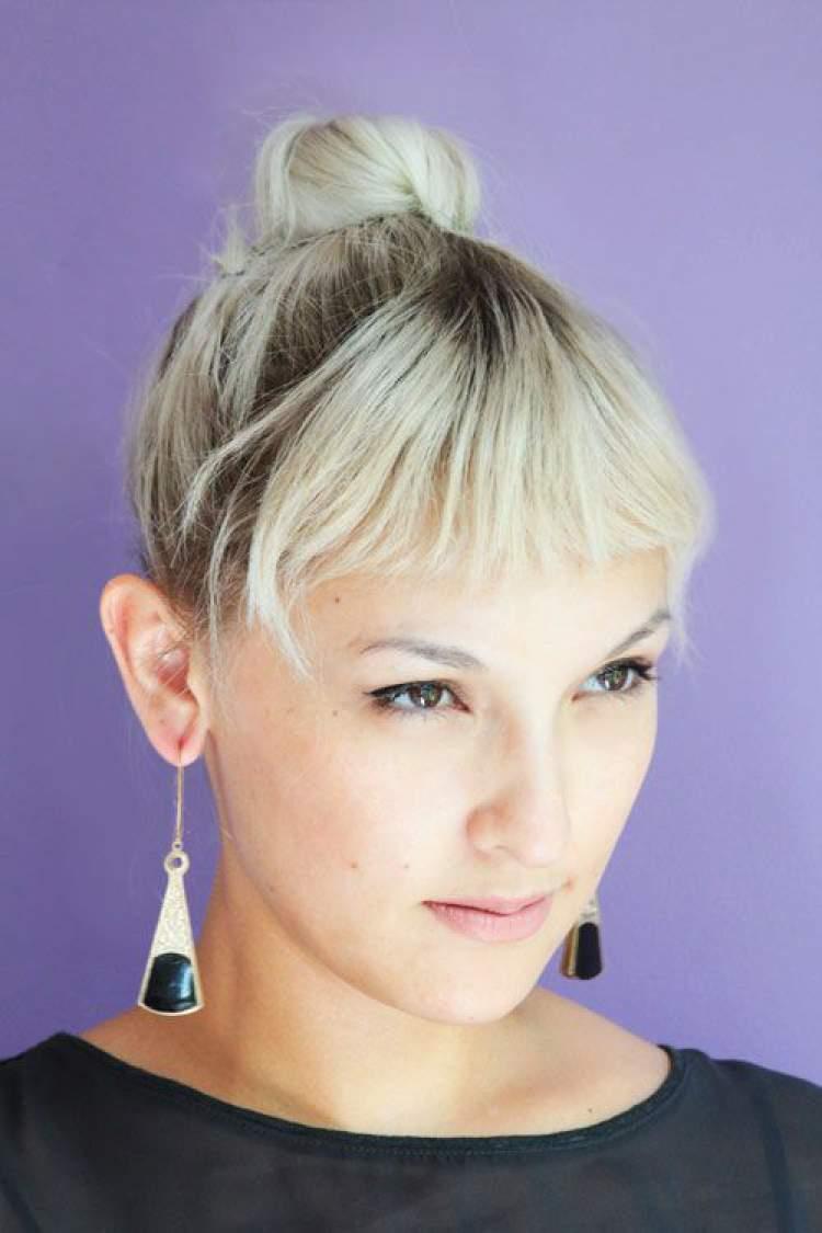 Penteado de casamento para cabelo curto com coque