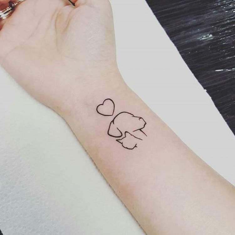 Tatuagens pequenas e delicadas Cachorrinho