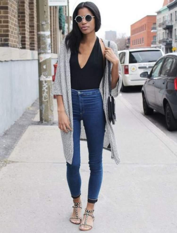 Body + calça jeans skinny