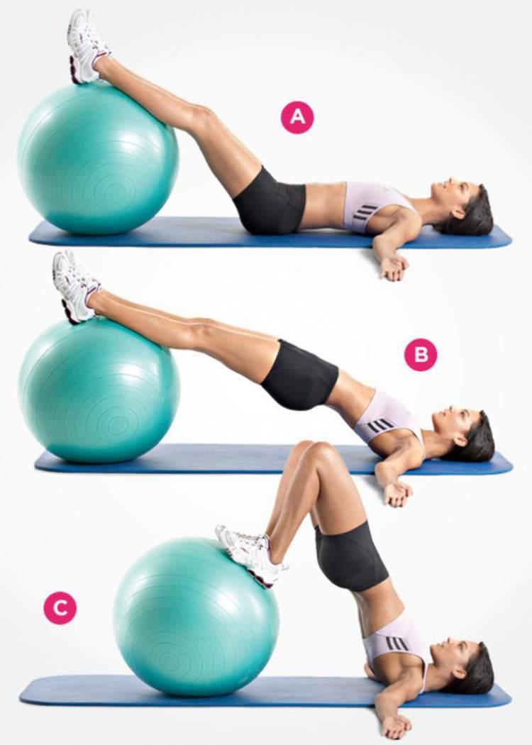 Elevação de quadril com a bola de exercícios