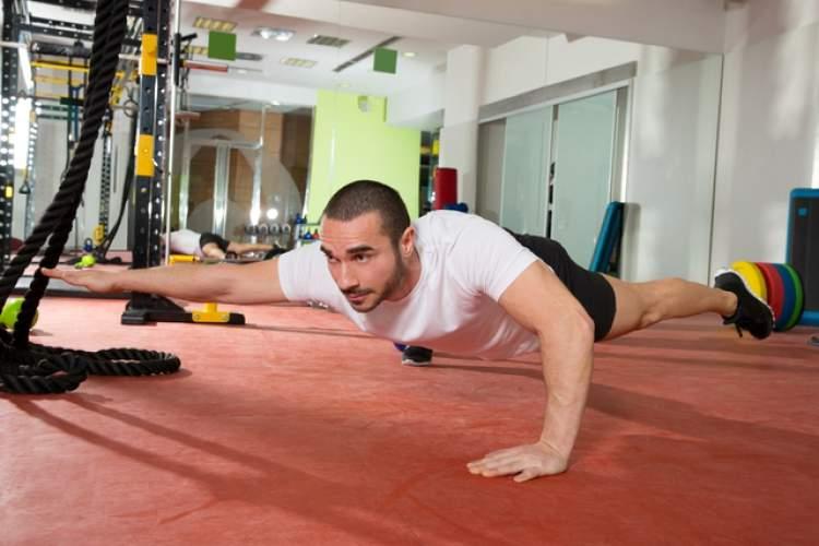 Exercício Prancha com Dois Apoios