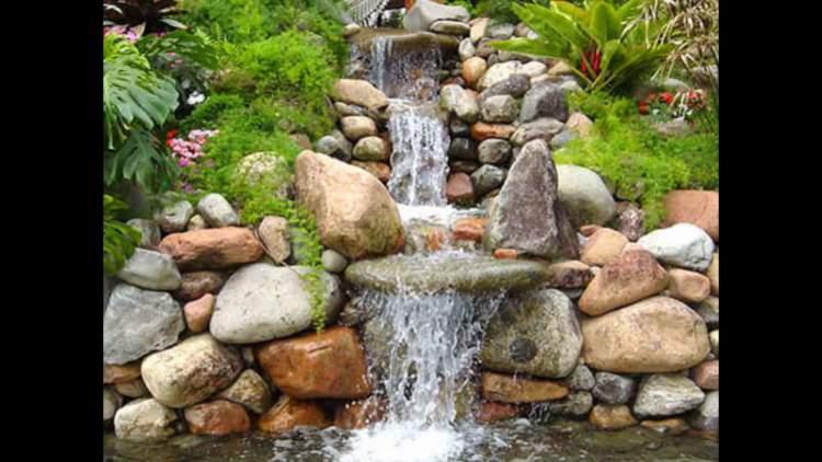 Fonte com caminho de pedras