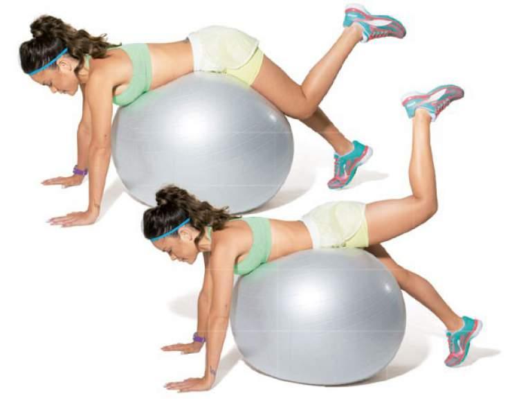 Leg Curl na bola é um dos exercícios para endurecer as coxas
