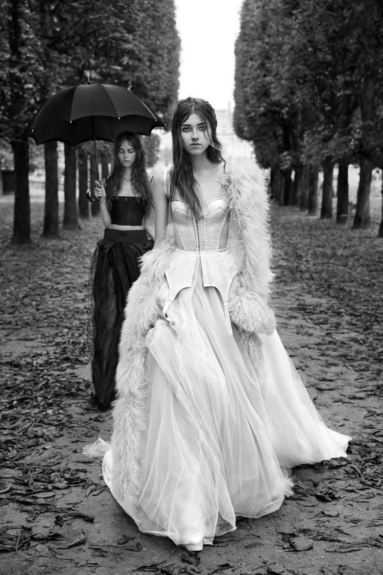 Vestido de Noiva com Toque Gótico