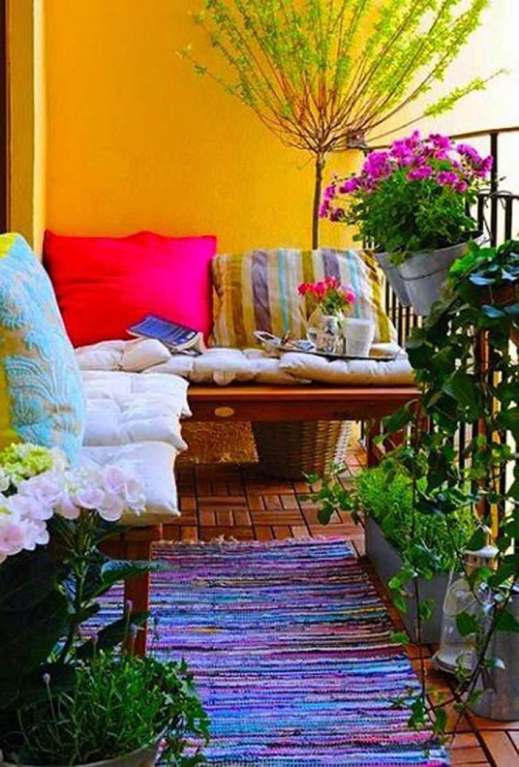 Paredes coloridas para decorar a varanda ou sacada