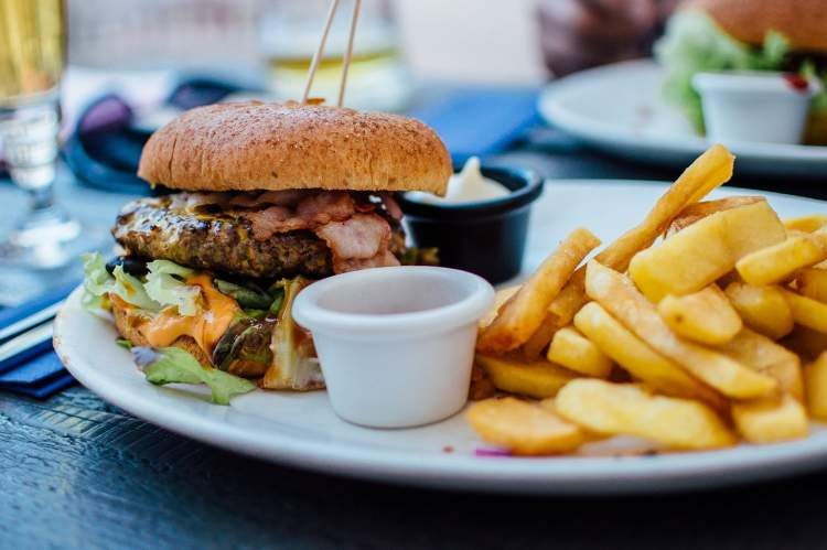 alimentos que pioram os sintomas da rinite