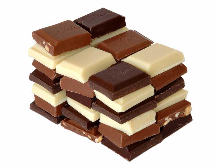 Chocolate é um dos alimentos que devem ser cortados por quem tem azia ou refluxo