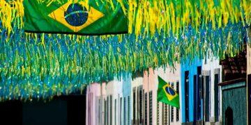 Dicas para organizar uma festa para assistir a Copa do Mundo em casa