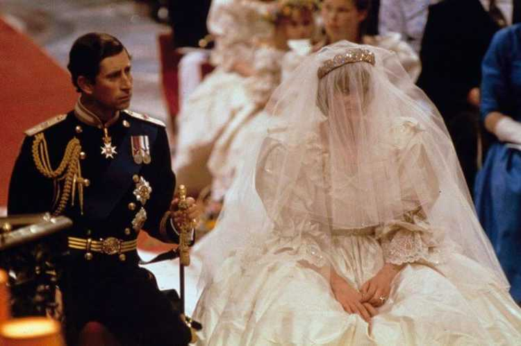 Cerimônia do casamento entre a princesa Diana e o príncipe Charles