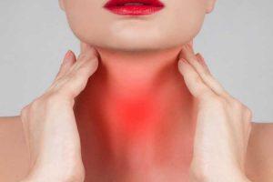 Motivos para as palpitações na garganta