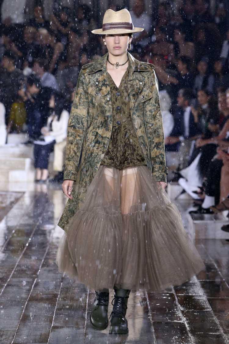 Renda é uma tendência da moda 2019 segundo a Dior