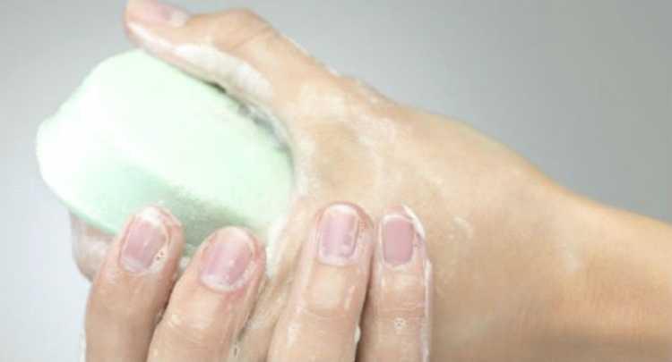 Sabonete em excesso pode afetar a pele no inverno