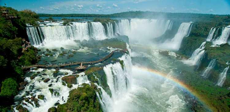 Foz do Iguaçu é um dos melhores destinos para lua de mel no Brasil