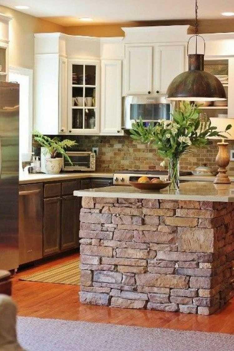 Cozinha pequena decorada com plantas