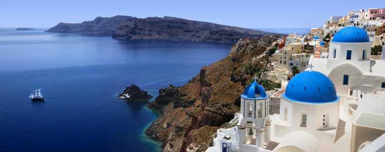 Grécia é um dos destinos deslumbrantes e não tão caros para passar a lua de mel