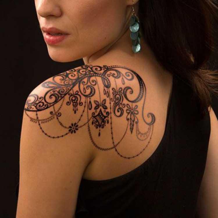 Ideia de tatuagem feminina