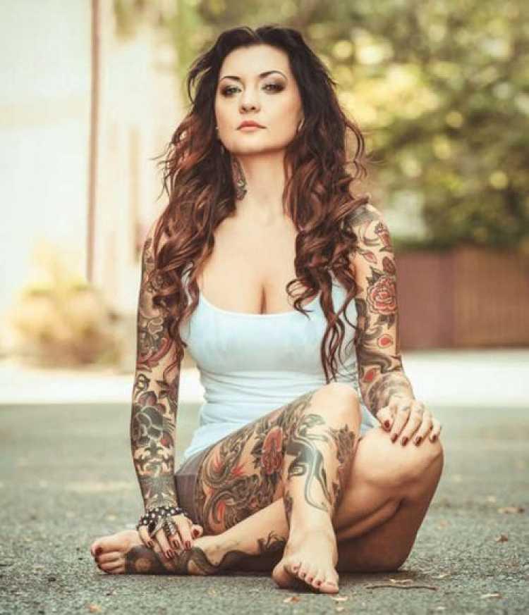 Sugestão de tatuagem para mulher ousada
