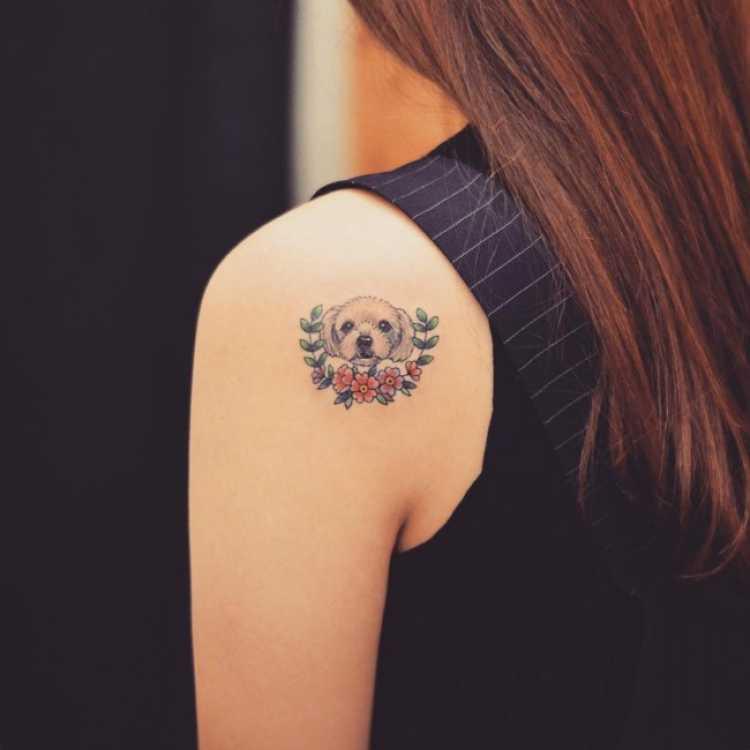 Tatuagem para mulher que ama cachorro
