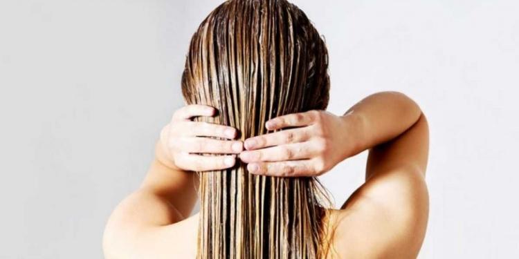 Aprenda como controlar a oleosidade do cabelo