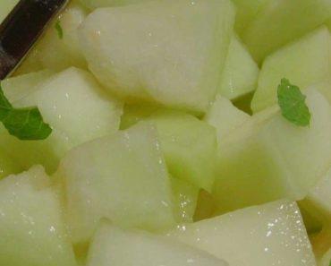 Suco de melão com hortelã é uma ótima bebida refrescante contra o fígado gordo