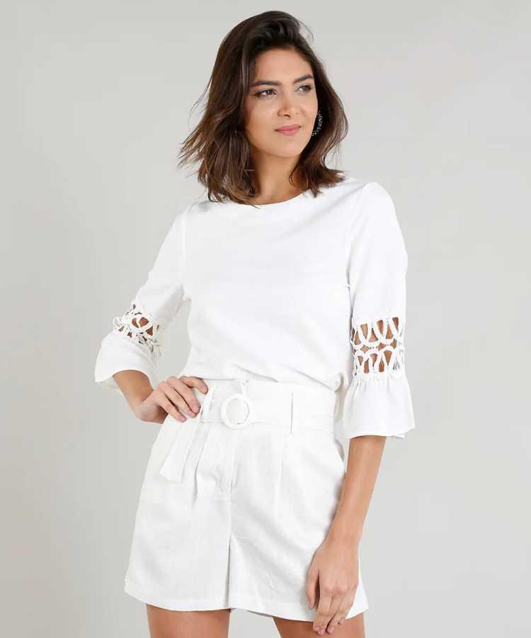 Camisa são uma das roupas de linho que combinam com dias quentes