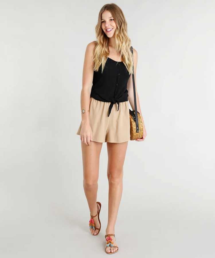 Regata é uma das opções para usar roupa preta no verão sem passar calor