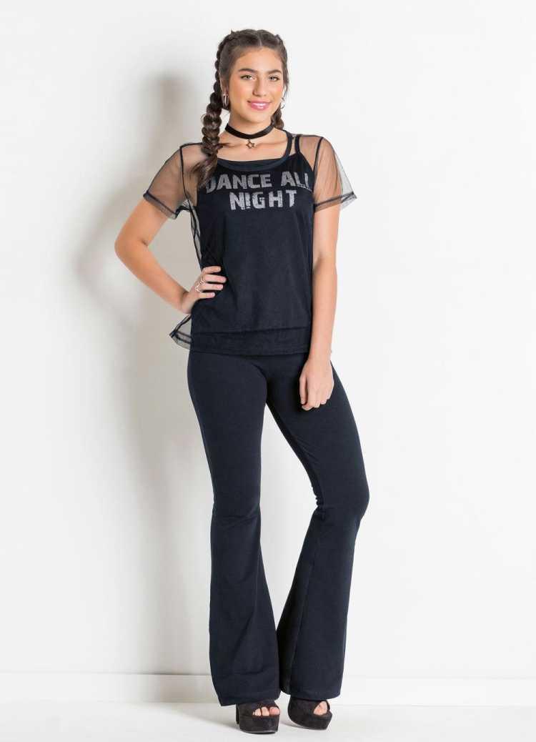 Sobreposição é uma das opções para usar roupa preta no verão sem passar calor