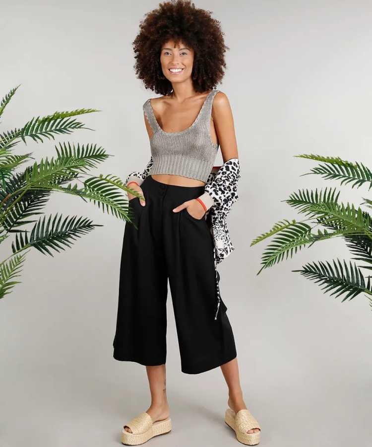 Calça Pantacourt é uma das opções para usar calças no verão sem passar calor
