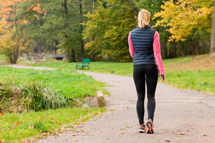exercícios ao ar livre caminhada