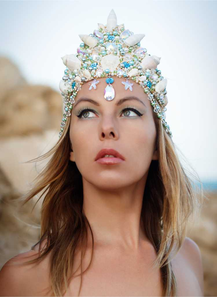 Tiara de passista é um dos acessórios de cabelo para carnaval