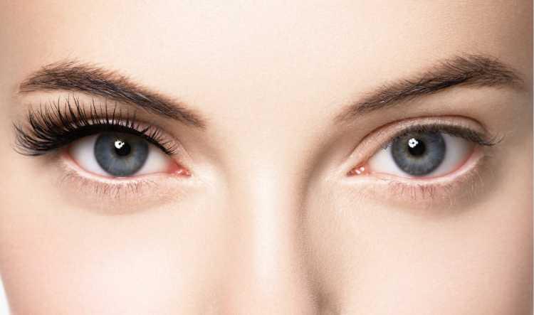 rímel é um dos truques para a maquiagem perfeita de Carnaval