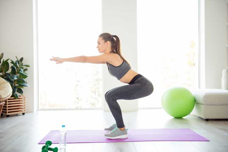 Agachamento é um dos exercícios para queimar gordura visceral