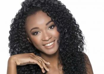 Hidratação com azeite para cabelos cacheados: passo a passo do tratamento perfeito para fios secos