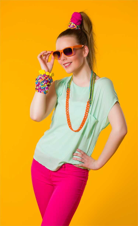 Looks com Mix de Cores com laranja, verde e rosa