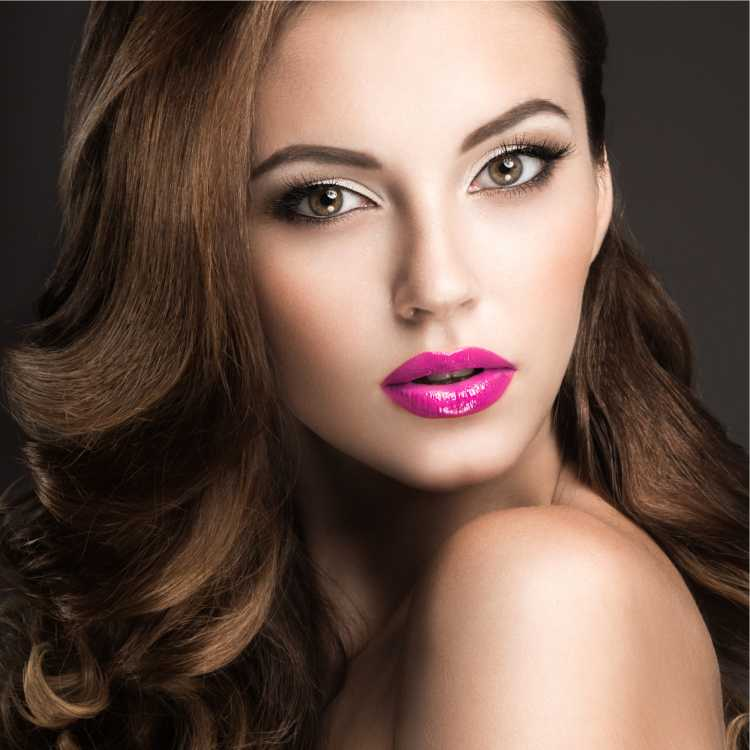 Maquiagem para sessão de fotos com batom rosa pink