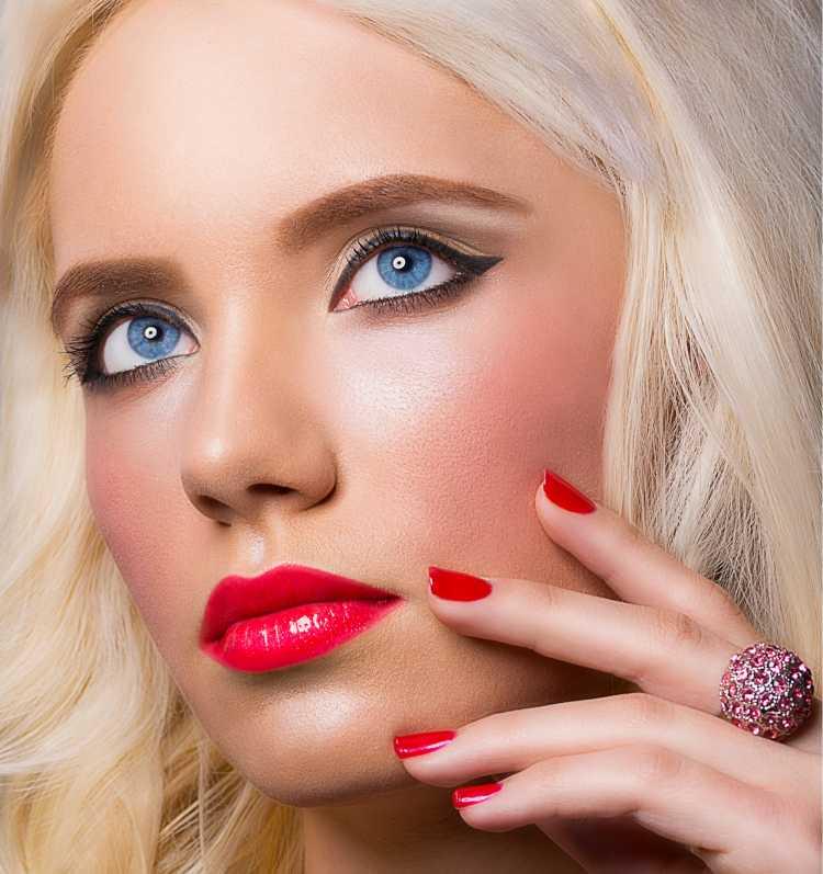 Maquiagem para sessão de fotos com batom vermelho