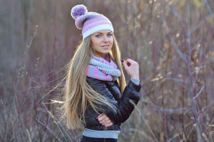 Touca ou Gorro Feminino com a ponta larga colorido