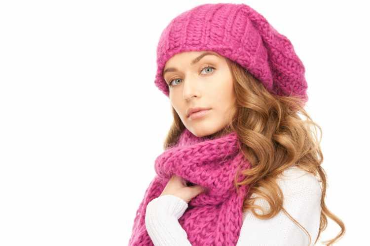 Touca ou Gorro Feminino com a ponta pink