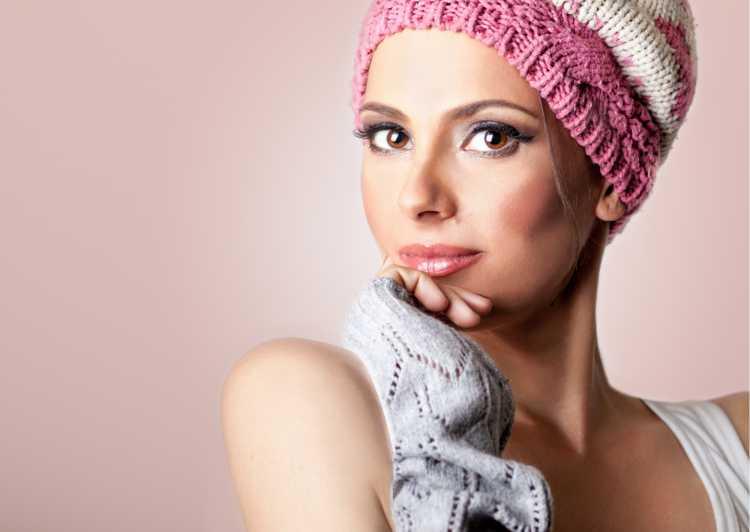 Touca ou Gorro Feminino para esconder o cabelo rosa com branco