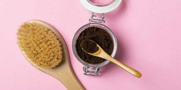 Hidratação de café para cabelos cacheados: passo a passo da receita caseira