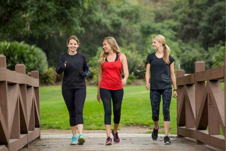 caminhada é um dos exercícios para queimar gordura visceral