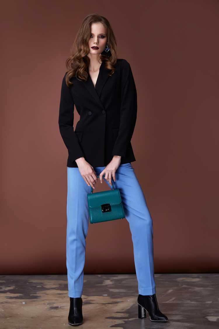 look com terninho feminino preto com calça azul