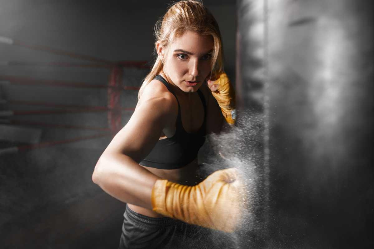 Luta é um dos melhores exercícios para fortalecer braços flácidos