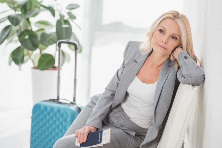 Terninho feminino formal para trabalho cinza