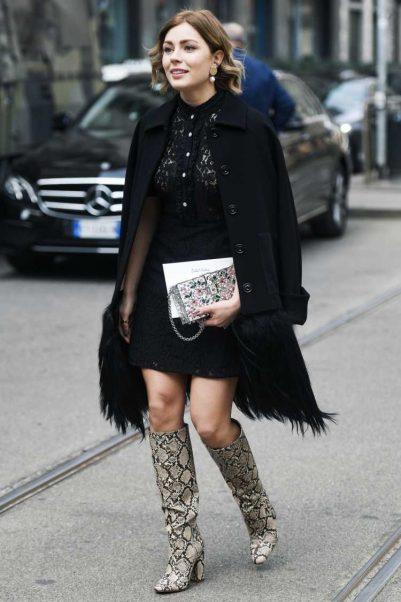 Bota country em look com casaco preto