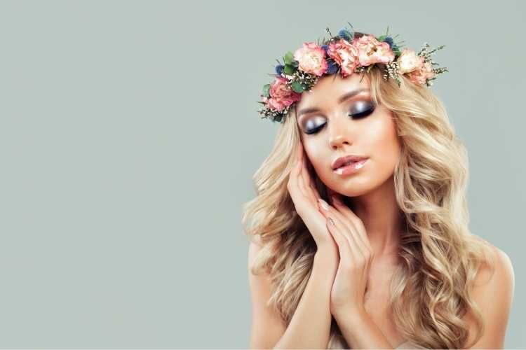 Dicas de maquiagem para noiva com coroa de flores
