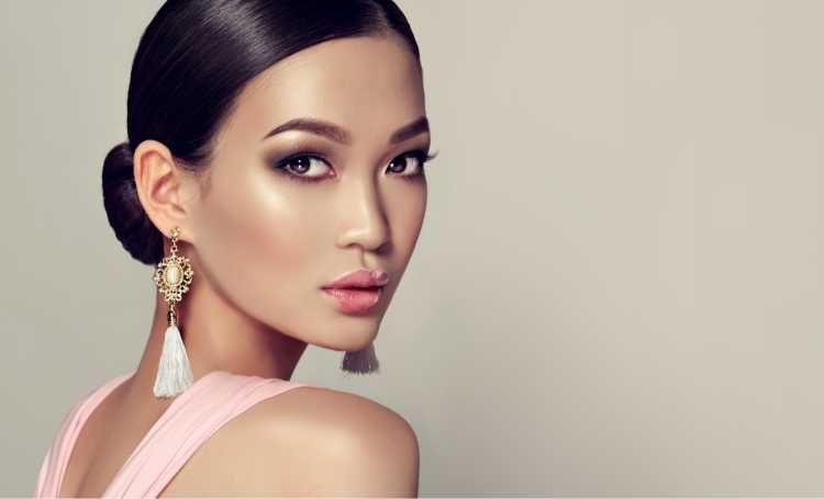 Maquiagem suave para madrinha oriental